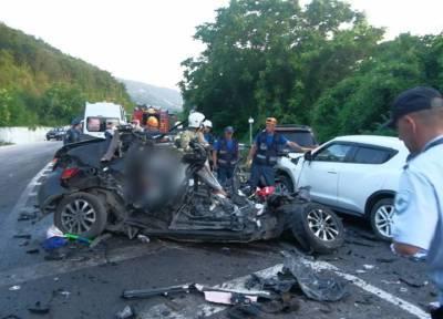 Пять человек погибли в ДТП с «КамАЗом» в Крыму на трассе Ялта – Севастополь