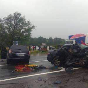 Во Львовской области в ДТП погибли два человека, еще трое в тяжелом состоянии. Фото