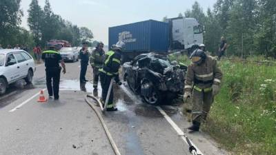 Четыре человека погибли в ДТП с фурой под Хабаровском