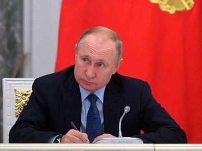 Путин раскритиковал «коллег», которые тормозят регистрацию российских вакцин против коронавируса