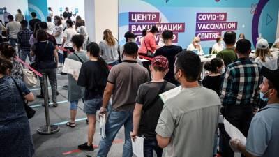 «Поставить заслон эпидемии»: Путин заявил о необходимости повысить темпы вакцинации от коронавируса