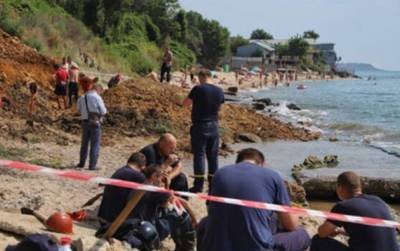 """Женщина провалилась в яму с медузами в Кирилловке: """"Поверьте, смешного мало"""""""