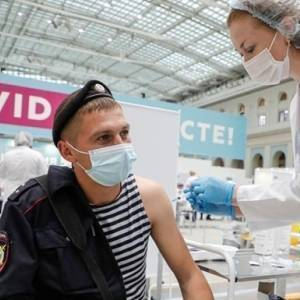 В Москве началась ревакцинация от коронавируса