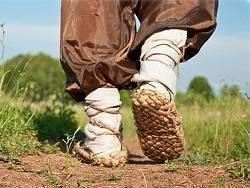 Магазины предупредили о подорожании обуви и одежды. 38% россиян не могут себе позволить