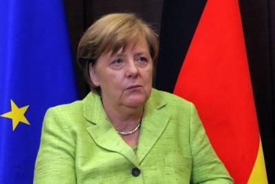 Меркель заявила о риске ввода Германией санкций по Северному потоку-2