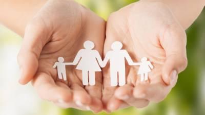 Кузнецова предложила оплачивать нянь детям-инвалидам из семей в трудной ситуации