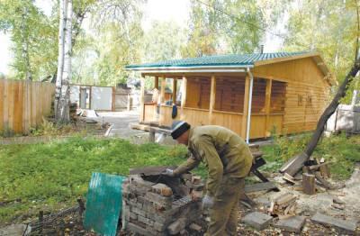 Житель Хабаровского края вырастил 300 кустов мака на своем участке