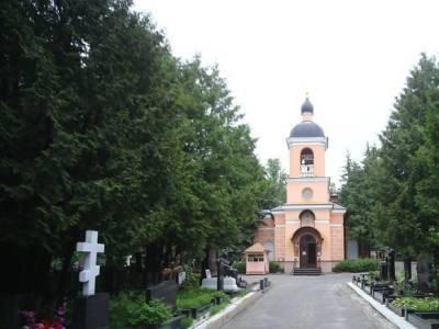 На Ваганьковском кладбище отреставрируют могилу режиссера Юрия Завадского