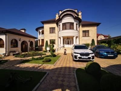 Задержанный за взятки начальник ГИБДД Ставрополья строил второй роскошный дворец