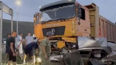 Три человека погибли в ДТП с грузовиком и легковым автомобилем в Туве
