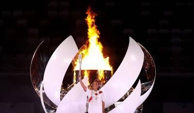 Осака стала первой теннисисткой в истории, зажегшей Олимпийский огонь
