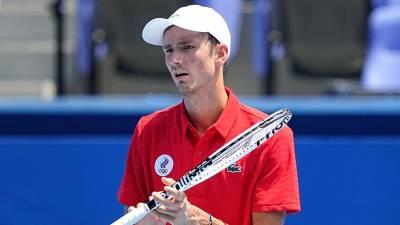 Теннисист Медведев вышел во второй круг Олимпиады