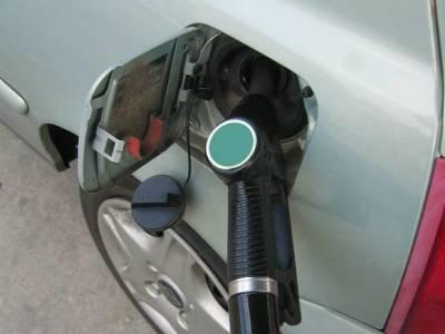 Почти в 60 российских регионах отмечен рост цен на бензин