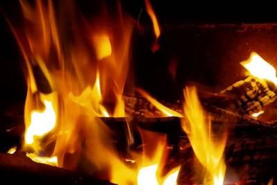 В Башкирии мужчина получил ожоги, спасаясь из горящего дома