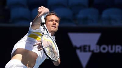 Медведев вышел в третий круг Олимпиады в Токио