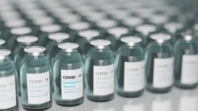 Эргашев: высокие темпы вакцинации снизили нагрузку на петербургские больницы