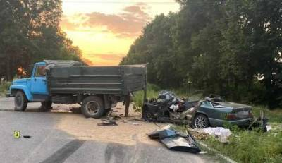 В Винницкой области в ДТП погибли отец с 15-летним сыном