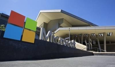 Второй раз на те же грабли. Microsoft выпускает новый складной Android-смартфон, хотя прошлый был провальным