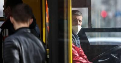 В Киеве остановка, которую сдуло ветром, утроила ДТП (видео)