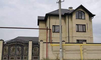 Начальник УГИБДД по Ставрополью оказался владельцем еще одного особняка