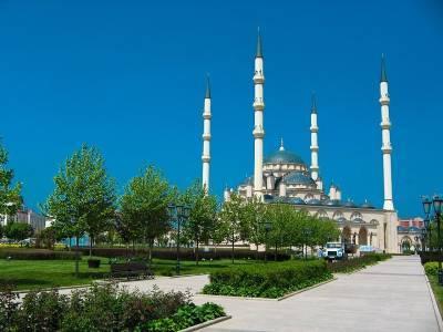 Чечня стала первым регионом России, где от COVID-19 привили 100% взрослого населения