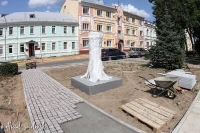 В сквере им. Клименко в Смоленске началась установка арт-объекта