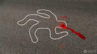 Жители Санкт-Петербурга обнаружили тело привязанной за шею к авто женщины