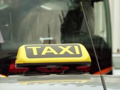 Депутаты разрешили петербургским таксистам работать в Ленобласти