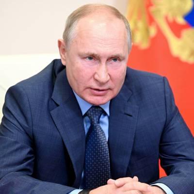 Владимир Путин поздравил российских рапиристок, завоевавших золото Олимпийских игр в Токио