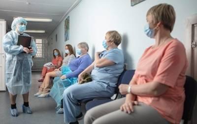 Вакцинацию от COVID-19 прошли более половины учителей – МОЗ