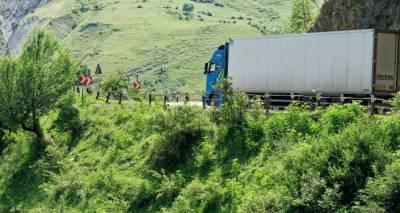 На западе Грузии столкнулись два трейлера: погиб дальнобойщик