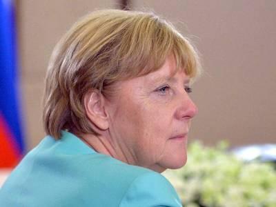 Биограф Меркель рассказал о ее «ругани и криках» во время переговоров с Путиным