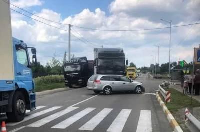 Под Киевом в смертельном ДТП погибли два человека