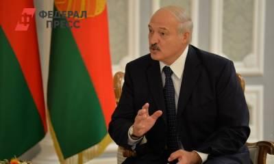 «Вы пишете историю»: Лукашенко поздравил внучку со свадьбой