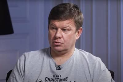 «Плюю в ваши рожи»: Губерниев ответил Украине на внесение в черный список