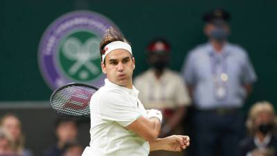 Федерер стал самым возрастным четвертьфиналистом в истории Уимблдона