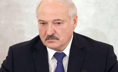 Лукашенко заявил, что Белоруссия не намерена сдерживать поток мигрантов в страны ЕС