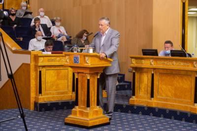 Александр Дрозденко поблагодарил депутатов за конструктивный диалог