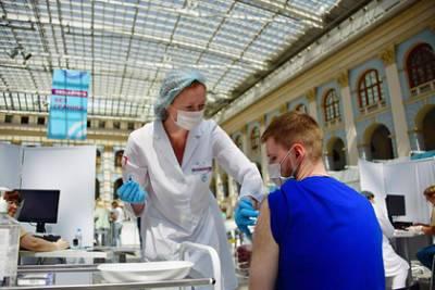 Голикова назвала число полностью привитых от коронавируса россиян
