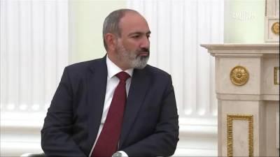 Путин поздравил Пашиняна с победой на выборах в Армении