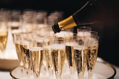 Авторы нового закона об игристых винах объяснили термин «российское шампанское»