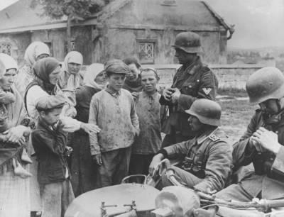 Какие военные преступления совершали немецкие солдаты в советских деревнях