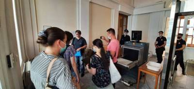 Петербуржцы передали Беглову обращение с сотней «живых подписей» о сохранении дом Басевича