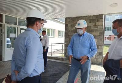 Александр Дрозденко в Сосново: Поливать питьевой водой огороды - неправильно