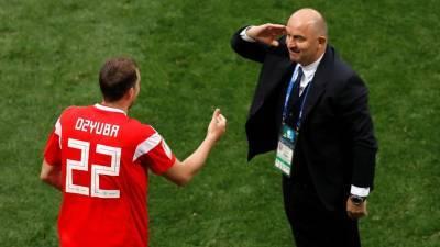 Главный тренер сборной России по футболу отправлен в отставку