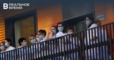 Эпидемиолог заявил, что напряженная ситуация с коронавирусом в России может сохраниться еще три года