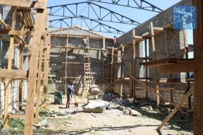 В рамках реализации проекта «100 школ» в трех школах Кайтагского района идет капитальный ремонт