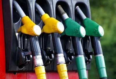 СМИ: власти России решили пока не вводить запрет на экспорт бензина