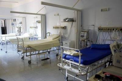Пациент петербургской больницы ранил ножом двух пожилых мужчин