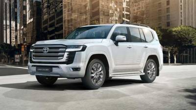 В России начались продажи Toyota Land Cruiser 300 с новым двигателем
